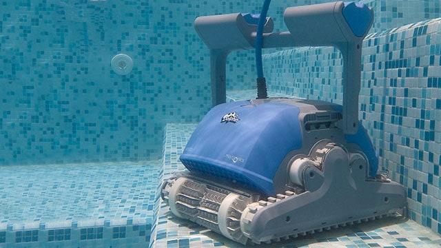 robot piscine dolphin m500