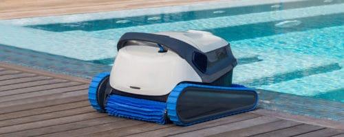Aspirateur piscine ou robot piscine: que choisir ?