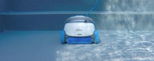 Robot piscine électrique fond et parois: comment ça marche?