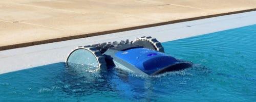 Robot piscine fond et parois: lequel choisir?