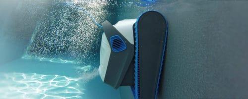 Robot piscine: tout savoir sur les solutions de nettoyage de piscine proposées par Dolphin