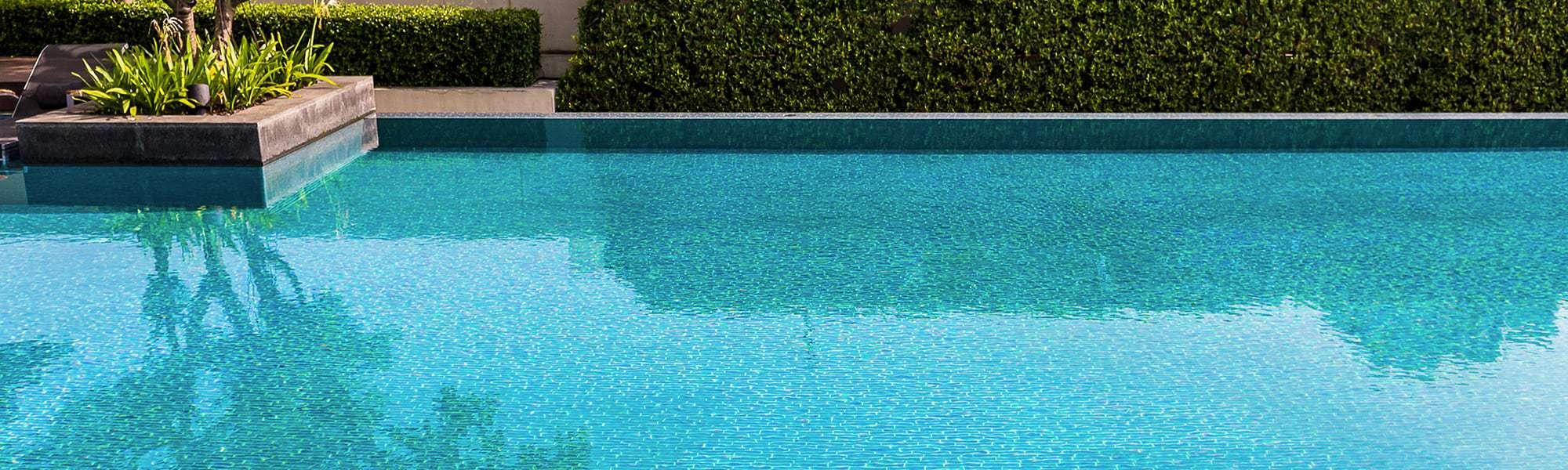 revêtement piscine carrelage
